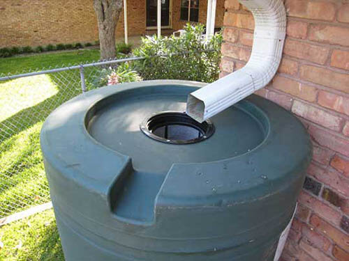 Cómo reciclar el agua de lluvia en toda tu casa