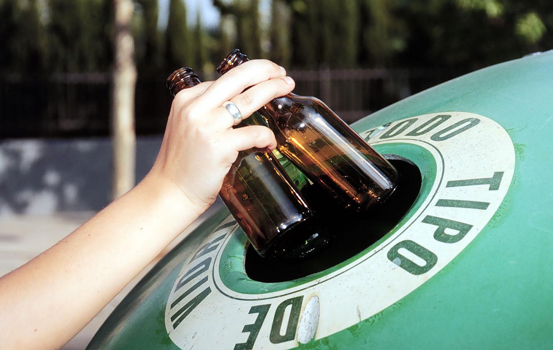 Reciclaje de vidrio medio ambiente for Reciclar botellas de vidrio